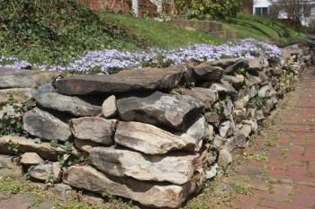 stone-retaining-wall